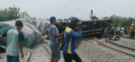 Kereta Barang Pengangkut Semen Anjlog di Blora Jawa Tengah